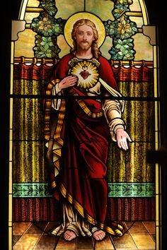 Stained glass image of Jesus revealing his sacred heart. Our Lady of Lourdes Church, De Pere, Wis. Stained Glass Church, Stained Glass Paint, Stained Glass Windows, Lds Pictures, Jesus Pictures, Catholic Art, Religious Art, Jesus Art, Jesus Christ