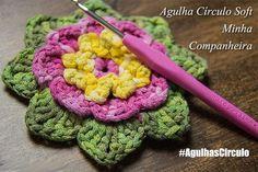 Lindo Final de Semana pra todos artistas das agulhas! Aula da Flor AQUI: https://www.youtube.com/watch?v=yncmXaD1oOc #crochet #professorasimone #semprecirculo #agulhascirculo