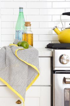 Freshen up the kitchen with these colorful DIY seersucker tea towels - sugar and cloth - houston blogger - home decor