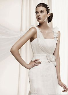 Dahir wedding dress from La Sposa 2011 bridal gown collection
