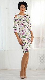 Цветочное платье с вырезом на плечах