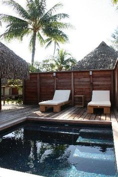 Private deck and plunge pool in Garden Bungalow