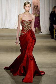 Marchesa Fall 2013 Beautiful!!    Digno de tapete vermelho!