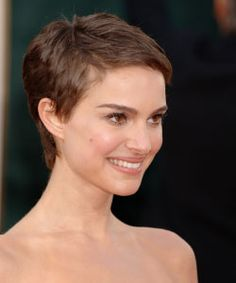 Natalie Postman with pixie haircut side view