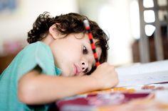 Escrever à mão é importante para o desenvolvimento infantil