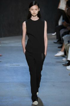 Narciso Rodriguez Spring 2017 Ready-to-Wear Fashion Show - Cong He