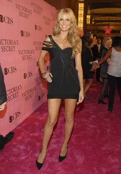 Pin for Later: Get a Load of Heidi Klum's Sexiest Looks to Date! Heidi Klum in a One-Shoulder LBD at the 2007 Victoria's Secret Fashion Show