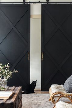 Brilliant Sliding Doors Designs Ideas For You 20 Sliding Door Room Dividers, Sliding Door Design, Room Divider Doors, Modern Sliding Doors, Modern Barn Doors, Barn Door Closet, Diy Barn Door, Diy Door, Diy Slides