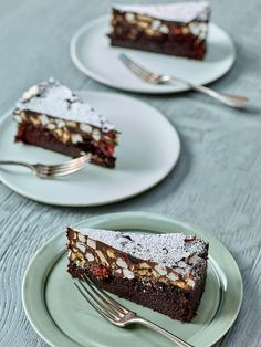 Rocky Road Cake - The Happy Foodie