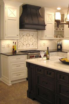 Supreme Kitchen Remodeling Choosing Your New Kitchen Countertops Ideas. Mind Blowing Kitchen Remodeling Choosing Your New Kitchen Countertops Ideas. Kitchen Vent Hood, Kitchen Stove, New Kitchen Cabinets, Kitchen Tiles, Kitchen Countertops, Kitchen Design, Kitchen Decor, Kitchen Layout, Stove Backsplash