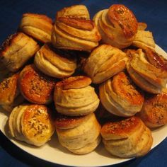 Hajtogatott krumplis pogácsa Recept képpel -   Mindmegette.hu - Receptek Muffin, Favorite Recipes, Hungary, Breakfast, Food, Morning Coffee, Essen, Muffins, Meals