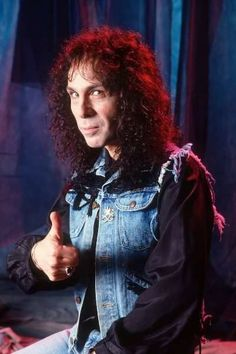 thumbs up ! Rock And Roll Bands, Rock Bands, Rock N Roll, Heavy Rock, Heavy Metal, Portsmouth, Hampshire, Holy Diver, James Dio