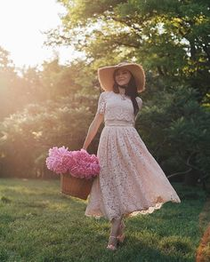 lace dress & pink peonies www. Women's Dresses, Pink Dress, Lace Dress, Looks Style, My Style, 90s Fashion, Fashion Outfits, Pink Garden, Romantic Outfit