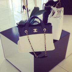I'm not really into channel at all. But!!! Im diggin this purse.. cute :)