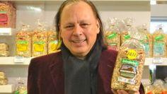 Always Seitenbacher founder (probably astro snake) Willi Pfannenschwarz's voice in (radio) advertising spots! http://www.faz.net/aktuell/wirtschaft/unternehmen/seitenbacher-die-stimme-fuer-das-muesli-12085247.html  US advertising spot: 'easy to eat, hard to spell' lol http://www.focus.de/finanzen/videos/trotz-nerviger-stimme-deshalb-spricht-der-seitenbacher-chef-seine-werbung-selbst_id_4497166.html