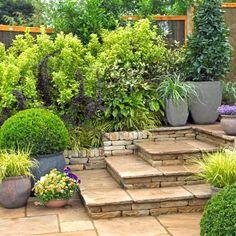 la terrasse en pierre authentique et chaleureuse terrasse pierre naturelle jardin - Pinterest Jardin