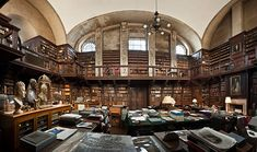 St Paul's Cathedral Library: The Library is contained in a huge stone chamber lined with the original bookcases and dark oak panelling constructed under the watchful gaze of Wren's master joiner, Sir Charles Hopson. The serene atmosphere is as it was 300 years ago.