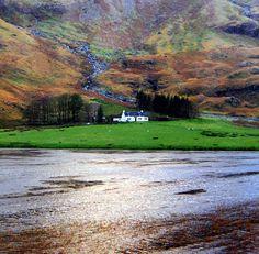 desde Edimburgo dirección noroeste, se halla la mítica Isla de Skye ...