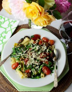 Chicken Sausage & Spring Green Pasta with Pan-Roasted Tomatoes @calaisio @midtownoliveoil #pasta #glutenfree #SundaySupper