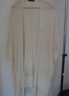 Kup mój przedmiot na #vintedpl http://www.vinted.pl/damska-odziez/okrycia-wierzchnie-inne/18929001-azurowe-kimono-z-fredzlami-atmosphere
