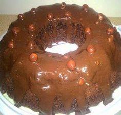 Miljoenêrs Sjokolade Koek Bestanddele: 4 eiers 250 ml suiker . 250 ml koekmeel 10 ml bakpoeier 65 ml kakao Knippie sout Baking Recipes, Cake Recipes, Dessert Recipes, Desserts, Pudding Recipes, Baking Ideas, Yummy Recipes, Kos, Ma Baker
