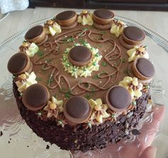 chocolate cake with toffifee