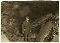 Bank Boss, Turkey Knob Mine, Macdonald, W. Va., and a great fall of Slate that blocked entry. Witness E. N. Clopper. 1908