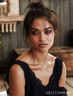 Genetically blessed: Shanina's incredible features are also down to genetic gifts - Her mother is Lithuanian and Australian and father of Pakistani and Saudi Arabian heritage