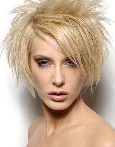Short Choppy Haircuts, Cute Hairstyles For Short Hair, Short Hair Cuts For Women, Stacked Haircuts, Haircut Short, Haircut Styles, Pixie Haircuts, Easy Messy Hairstyles, Hairstyles Haircuts