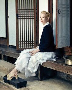 Celebrating its anniversary, Vogue Korea tapped actress Tilda Swinton as its August 2015 cover star. In the accompanying photo shoot, Tilda wears all looks… Tilda Swinton, Vogue Korea, Korean Traditional, Traditional Dresses, Fashion Wear, Look Fashion, Korean Fashion, Fashion Women, Fashion Editor