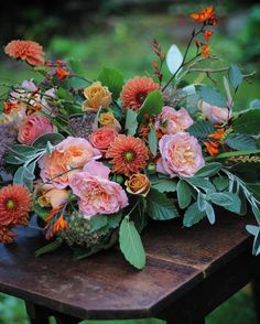 Favourite favourite time of year - just before the leaves fall (photo from masterclass held a couple of weeks ago) xx #dahlias #roses #crocosmia
