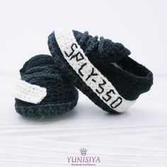 Newborn shoes, Black baby shoes, crochet baby booties, Crochet baby, Black and white, soft sole shoes, Yeezy, baby gift, black infant shoes by Yunisiya on Etsy