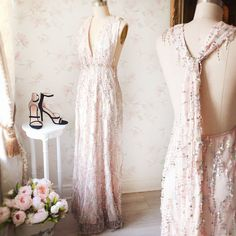 Robe Esmeraldina & Souliers Olgina #Boutique1861 / A thousand way to wear this maxi pink dress for multiple occasions ! #promdresses #bridesmaids
