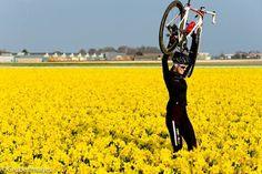 Girls love bikes too! Cycle Chic, Bicycle Girl, Bike Run, Bicycle Design, My Ride, Cool Bikes, Mountain Biking, Touring, Bike Stuff