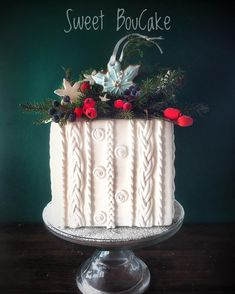or Cable Knit effect winter ❄️ Christmas Cake Designs, Christmas Cake Decorations, Holiday Cakes, Christmas Desserts, Christmas Cakes, Themed Wedding Cakes, Unique Wedding Cakes, Unique Cakes, Christmas Birthday Cake