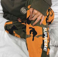 High end fashion, streetwear, art & pop culture Date Outfit Casual, Date Outfits, Bape, Jogging, Hypebeast Women, Pretty Girl Swag, Aesthetic Clothes, Urban Aesthetic, Aesthetic Fashion