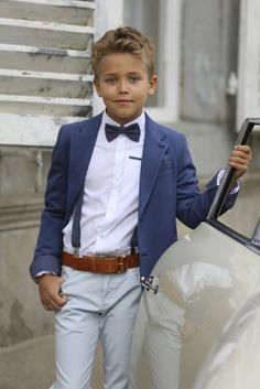 kuva 56 & 68 is enig in Belgie, een toffe meisjes winkel en een stoere jongens w… kuva 56 & 68 is the only one in Belgium, a cool girls 'shop and a cool boys' shop. Communion clothing has been our specialty for 35 years, we offer e Wedding Outfit For Boys, Wedding With Kids, Wedding Outfits, Summer Wedding, Boys First Communion Outfit, Communion Suits For Boys, Toddler Fashion, Boy Fashion, Boys Dress Outfits