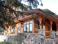 Maple Forest: Craftsman style home