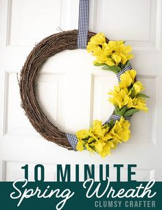 This is an easy 10 minute craft that will help you make a simple spring wreath. Making your own DIY Wreaths are so easy! Give it a try with this easy craft tutorial. Diy Spring Wreath, Diy Wreath, Spring Crafts, Creative Crafts, Easy Crafts, Easy Diy, Make Your Own Wreath, Outdoor Crafts, Wreath Forms