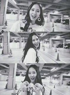 Krystal Sulli, Jessica & Krystal, Krystal Jung, Jessica Jung, Korean Actresses, Actors & Actresses, Girl Korea, Cant Help Falling In Love, Electric Shock