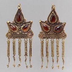 Earrings, mid-1st century a.d. Sarmatian; Said to be from Olbia (modern Ukraine) Gold, sardonyx