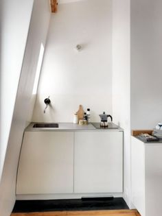 "This tiny kitchen is from our feature ""Pocketsized Paris"""