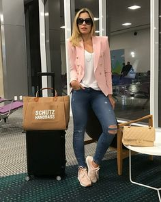 39 Einfaches Airport Women Style mit Jeans und Sneakers - Woman Worlds Outfit Zusammenstellen, Blazer Outfits, Blazer Fashion, Fashion Outfits, Womens Fashion, Mode Outfits, Fall Outfits, Summer Outfits, Casual Outfits