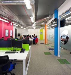 Värejä lontoolaisessa Made Simple -toimistossa #toimisto #design