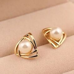 ELEGANT 18k gold plated earrings with pearl 18k gold plated  Price firm unless bundled.   Please request a new listing if interested - multiple in stock! Fine Jewelry Jewelry Earrings