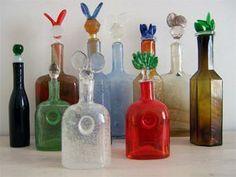 Still-mould blown multi-coloured glass, stoppers cast. All sizes: 300 mm. Belongs to Pro Arte series. Glass Birds, Glass Design, Colored Glass, Scandinavian Design, Finland, Still Life, Paper Art, Glass Art, Art Pieces