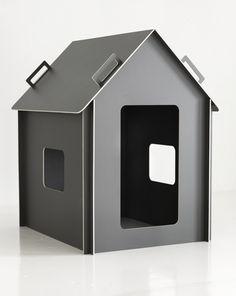 Maja playhouse. Design by me.    Picture: Nico Backström