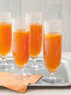 Toast to the #Oscars with these Orange-Cherry Champagne Cocktails. Your guests will love them! #oscarparty