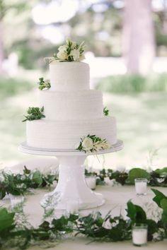 Pretty cake: http://www.stylemepretty.com/wisconsin-weddings/madison-wi/2015/03/17/traditionally-elegant-grove-wedding/ | Photography: M Three Studio - http://www.mthreestudio.com/