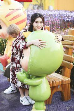 for more : SugarPlumMss Daisy, Fans Cafe, Korean Artist, Seungri, Pop Group, Kpop Girls, Girl Crushes, Divas, Singing